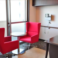 食堂の椅子
